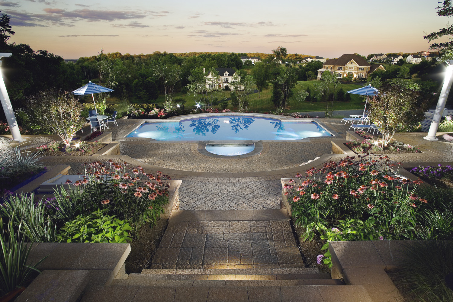 Pool landscape with amazing views in leesburg va land for Backyard pool landscaping ideas